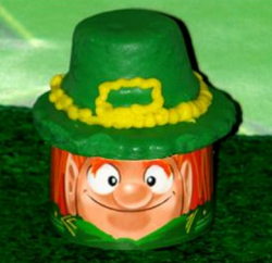 Irish man face cup cake image.PNG