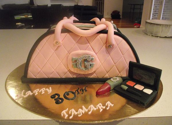makeup birthday cake pink handbag and makeup kit birthday cake jpg 5660