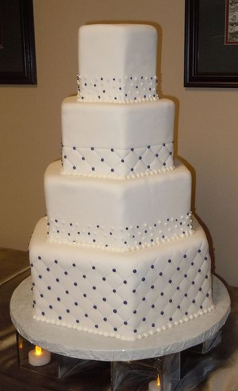 hexagon wedding cakes 4 tier hexagon shape white wedding cake with 15216