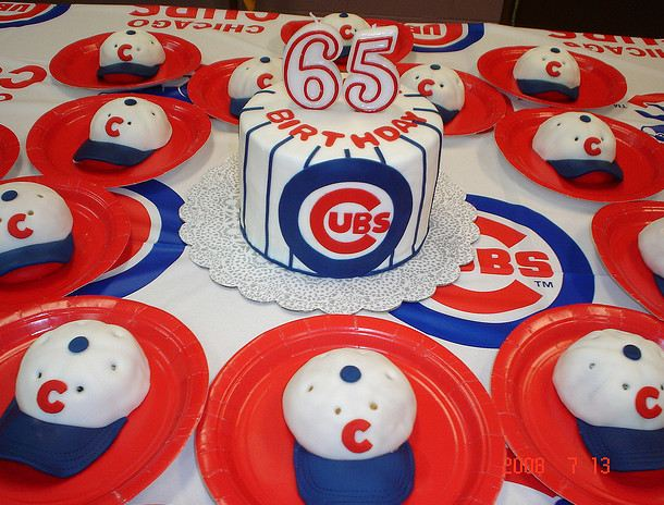 Groovy Chicago Cubs 65Th Birthday Cake With Baseball Cap Mini Cakes Jpg Personalised Birthday Cards Petedlily Jamesorg