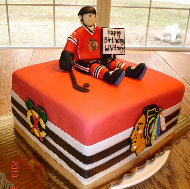 Hockey fan theme birthday cake.JPG
