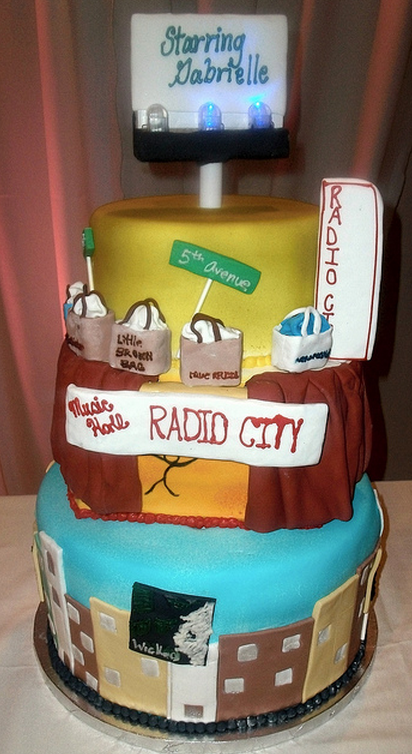 New York theme cake for Bat Mitzvah party.PNG