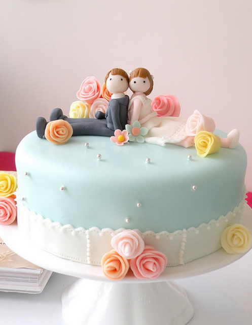Chic engagement cake pictures.PNG