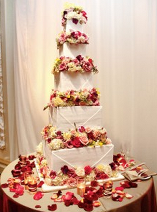 Marcia Cross & Tom Mahoney celebrity wedding cake photos.PNG