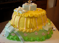 Bright yellow engagement cake photos.PNG