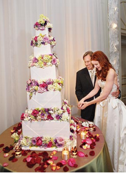 Marcia Cross and Tom Mahoney celebrity wedding cake pictures.PNG