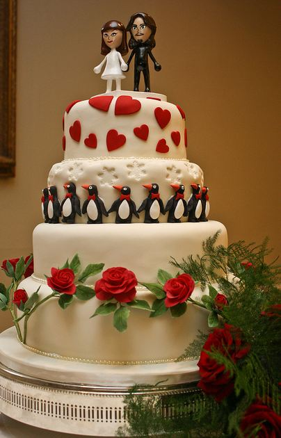 4 tier wedding cake with red roses 4 tier white wedding cake with fresh roses 10424