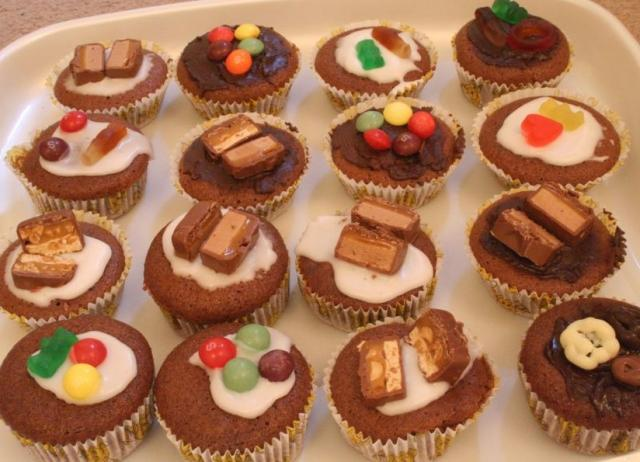 Chocolate cupcakes with candies.jpg