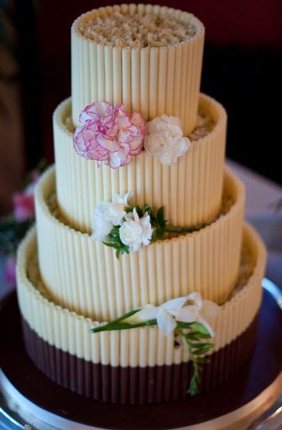 Four Tier Round Wedding Cake With Cookie Stocks