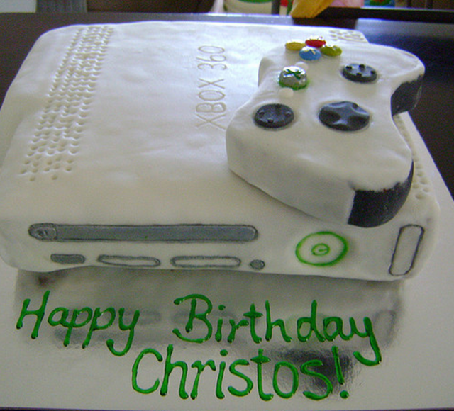 Xbox 360 cake_very cool birthday cake.PNG