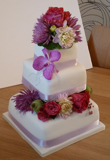 Tier Square White Wedding Cake With Fresh Flowers