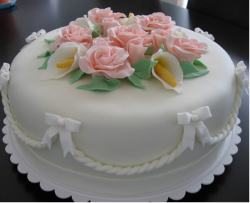 White simple engagement cake with peach floral cake decor_flower toper.PNG
