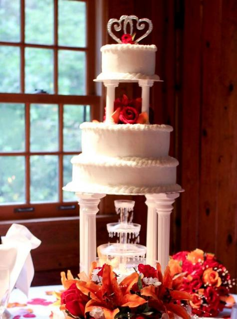 wedding cakes with columns tier wedding cake with columns and fontain 26007