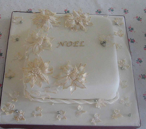 Square Xmas Cake Designs : A square Noel cake decor idea.PNG