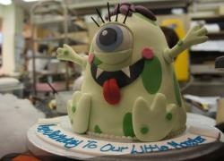 One eye Alien Halloween birthday cake.JPG