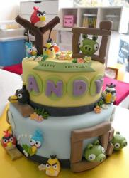 Detailed 2 tier Angry Bird birthday cake.JPG