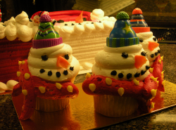 Snowman cupcakes picture.PNG