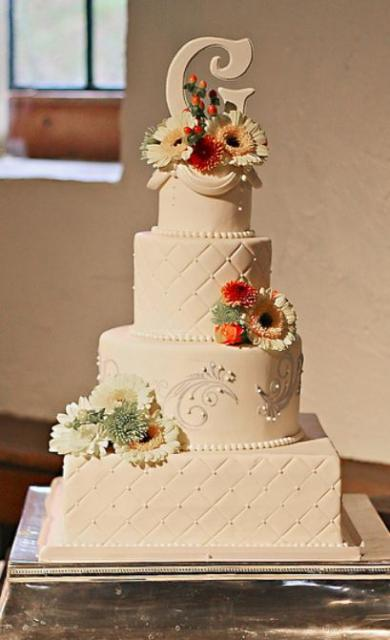 4 tier ivory wedding cake with square and round for Wedding cake layer