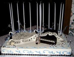 Cool cake barmitzvah cake ideas with music theme.PNG