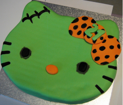 Green Hello Kitty zombie cakes pictures.PNG