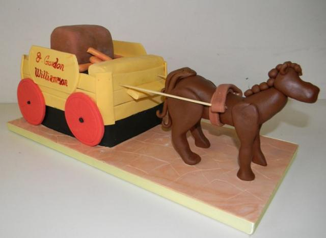 Horse and Carriage cake.JPG