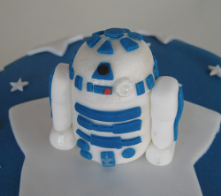 Star war robbot cake topper.PNG