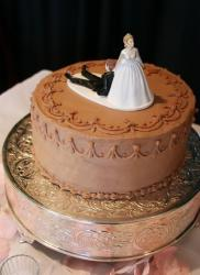 1-tier chocolate wedding cake with bride and groom topper.JPG