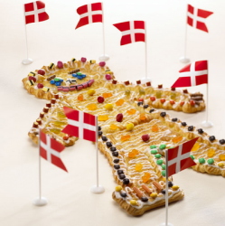 Danish cakeman with Danish flags.PNG