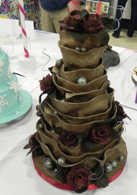 Dark rose theme multi-tier wedding cake.JPG