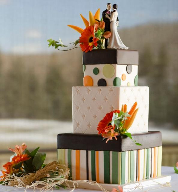3 Tier Square Modern Wedding Cake With Stripe And Dot Patterns And Bride And