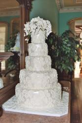 modern white wedding cakes picture