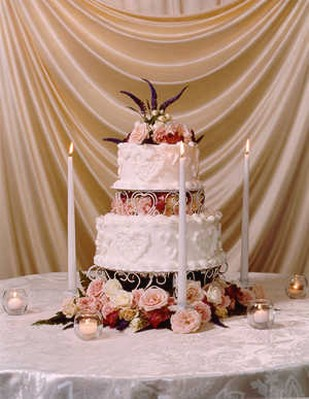 images of wediding cake with peach roses