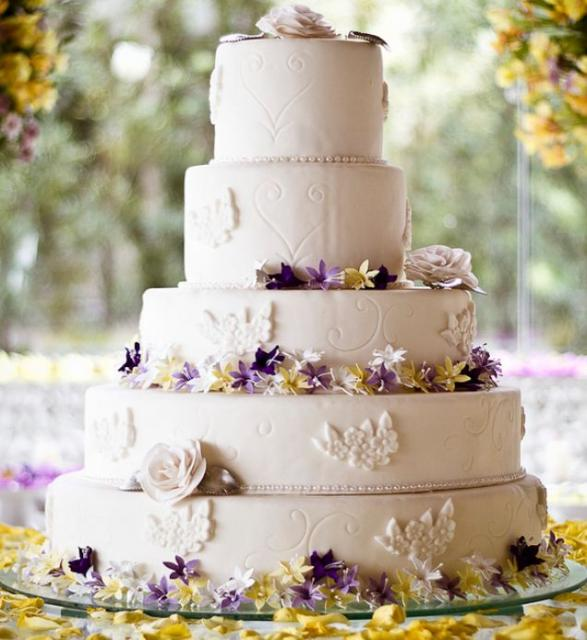 elegant wedding cakes with flowers 5 tier ivory wedding cake with white roses 13987
