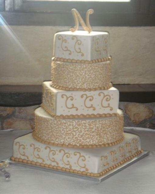 gold and white square wedding cakes five tier square and ivory wedding cake with gold 14742