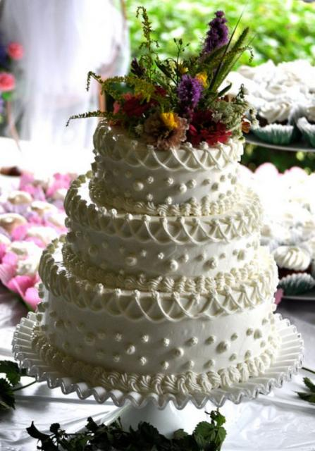 3 tier wedding cakes with fresh flowers 3 tier white wedding cake with ropes and fresh 10329