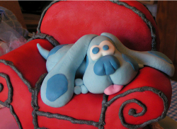 Blue on Thinking Chair cake picture