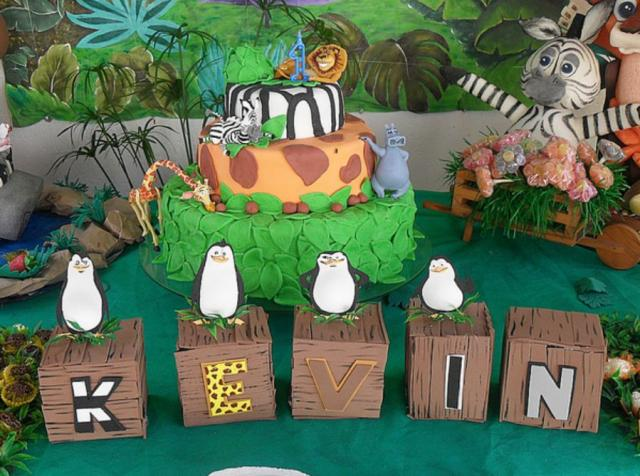 Penguins of Madasgascar cake.JPG
