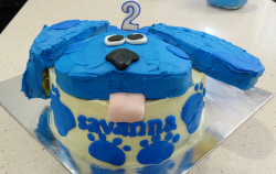Blues Clues sticking tongue birthday cake.PNG