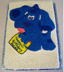 Retangle shape Blue's Clues cake in blue and white.PNG