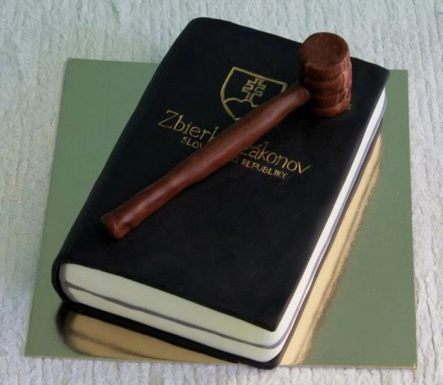 Law School graduation cake with gavel and book.JPG