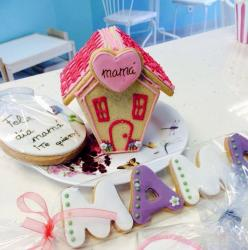 Gingerbread house Mother's Day Cake with matching cookies.JPG