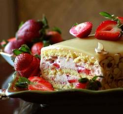 Strawberry-Mousse Cake with White Chocolate Ganache.jpg