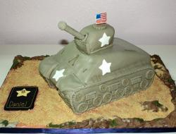 Army tank cake with stars and medal and American flag.JPG