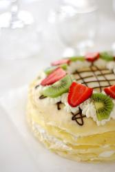 Crepe cake with strabberry and kiwi.jpg