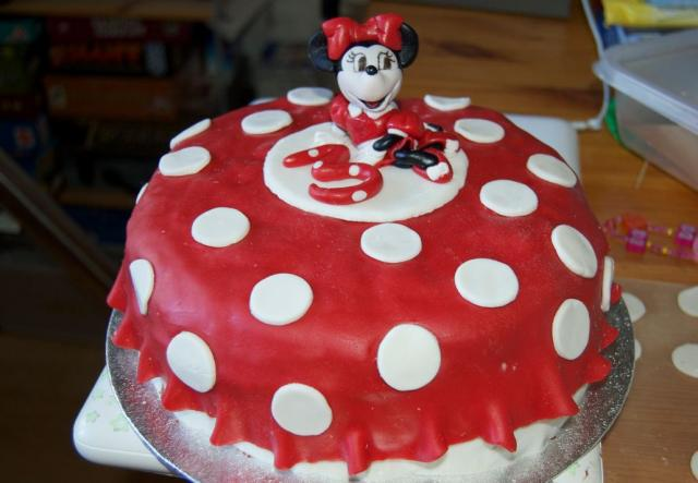 Minnie Mouse red 3rd birthday cake.JPG