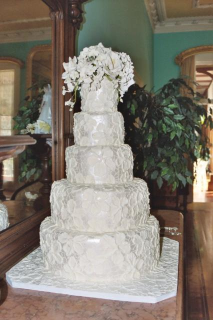 brocade Wedding Cake in snow white color