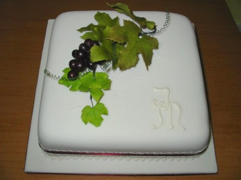 Square Wedding Cake With Grape