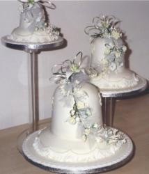 Bellshape wedding cake