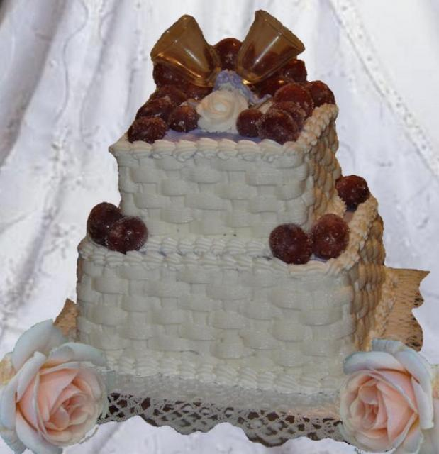 traditional weddin cake