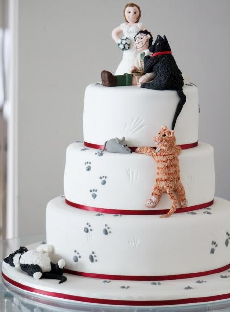 Humorous Three Tier Round Wedding Cake Pet Toppers With